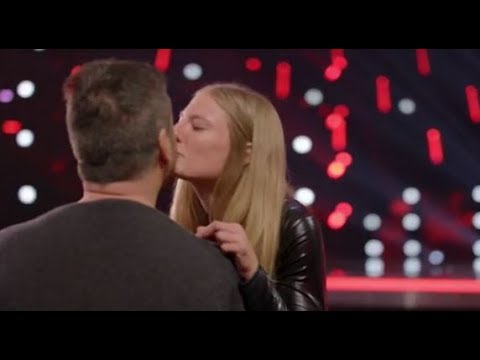Simon Falls in LOVE with Trainer Sara Carson and Her Dog 'Hero'  | America's Got Talent 2017 (видео)