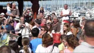 preview picture of video 'Le Père Noël en vacances à Piriac'