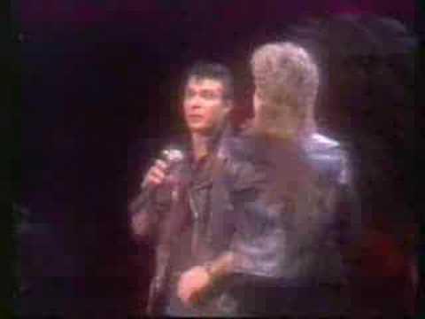 Olivia Newton John - You're The One That I Want Live 1982