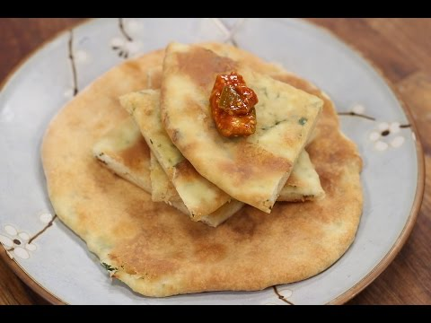 Paneer Kulcha | Simple Vegetarian Khana With Chef Saurabh | Sanjeev Kapoor Khazana
