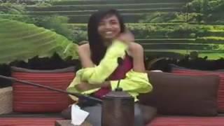 Maymay wearing kathryn Bernardo's cute jacket 😂