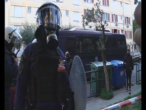 Ολοκληρώθηκε η έρευνα της ΕΚΑΜ στην Αγία Βαρβάρα – Διέφυγε ο Ρομά που πυροβόλησε