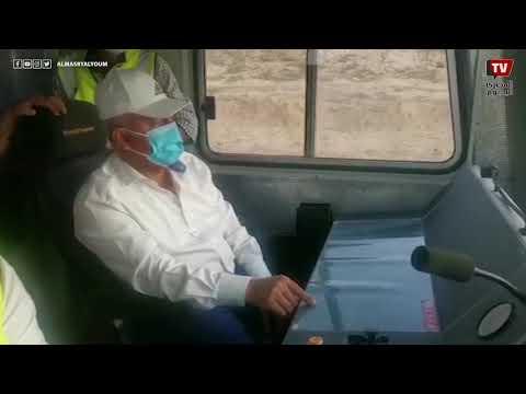 LRTوزير النقل الفريق مهندس كامل الوزير يستقل جرار اختبار أعمال السكة لمشروع قطار