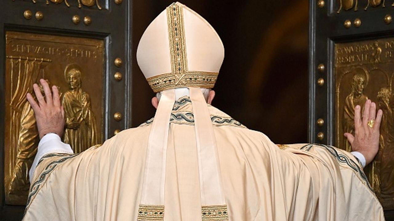 China-Vatican Dirty Deal? | China Uncensored thumbnail