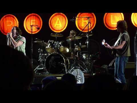 Pearl Jam - Johnny Guitar - Seattle 2