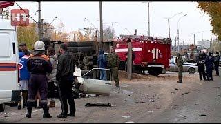 Два человека получили тяжелые травмы в результате серьезного ДТП на улице Октябрьская в Великом Новгороде