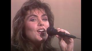 لورا برانيجان - جلوريا (فيديو موسيقي رسمي)