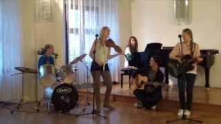 Video Meanwhile - Cesta (Kryštof a Tomáš Klus cover)