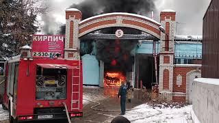 Сгорел автобус. Пожар в Казани 8 декабря 2018