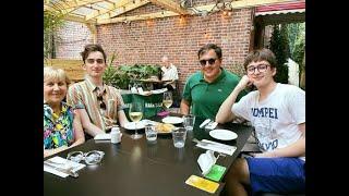 სააკაშვილების ოჯახური სადილი მანჰეტენზე - რა ფოტოს აქვეყნებს საქართველოს ექსპრეზიდენტი