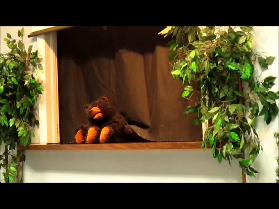 Puppet Show with Song for Kids - Song of Colors