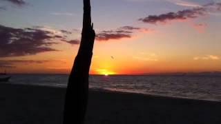 preview picture of video 'Puesta de Sol Celestún Yucatán  24.11.2012'
