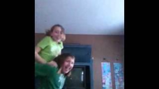 Slushiepuppiz and theputch77 dance off- electric Shawn dess