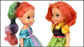 HAIRCUT ! Elsa and Anna toddlers DYE their hair at Salon - Barbie is the hairstylist