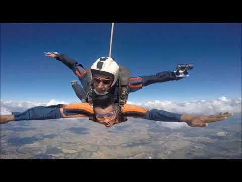 Meu primeiro salto de paraquedas | Queda Livre paraquedismo em Boituva-SP (EXTRA)