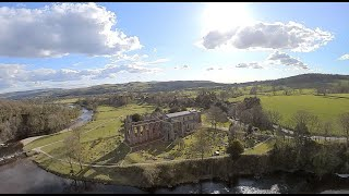 River flights on the river Warfe in the scenic Yorkshire dales, Fpv drone footage.