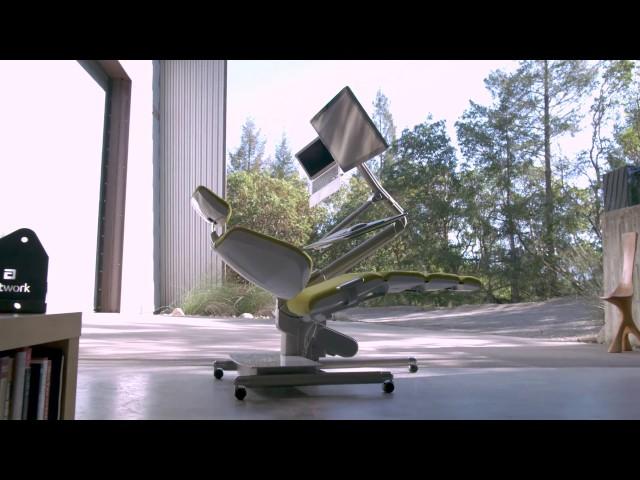 Altwork создала компьютерный стол, за которым можно работать лежа