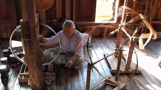 preview picture of video 'WEAVING FACTORY ON INLE LAKE'