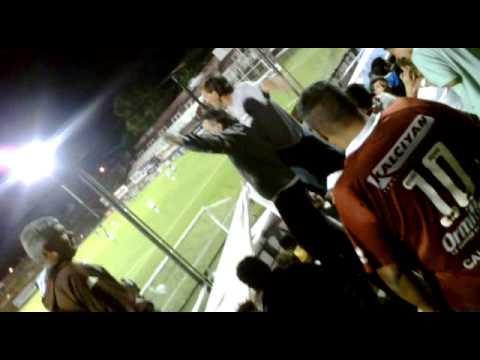 """""""El pajaro en la banda de platense"""" Barra: La Banda Más Fiel • Club: Atlético Platense"""