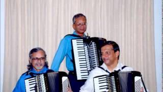 Chicken Dance Tremolos Accordion Trio