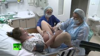 Giving birth without an epidural -  Newborn Russia (E9)