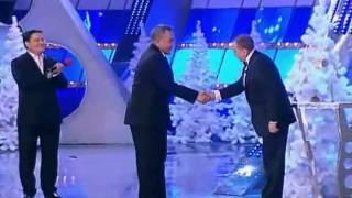 Астана kz   Впервые! Назарбаев на сцене КВНavi