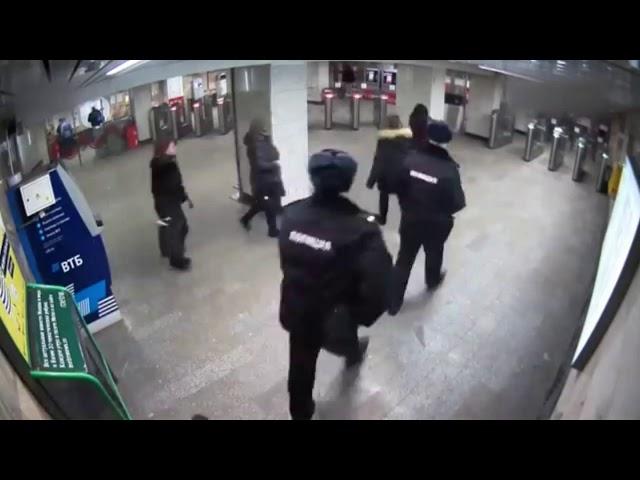 Пассажир открыл стрельбу из пистолета