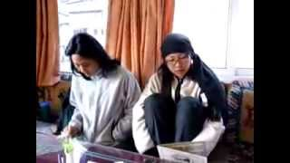 preview picture of video 'Ordering Food for Dinner at Khumbu Lodge, Namche'
