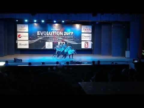 The A-unit Crew A.K.A United Hoodz l performance l Evolution 2017 l stage on fire
