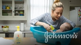 How to Bathe a Newborn Baby | JOHNSONS®