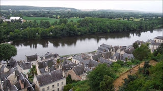 preview picture of video 'Tour around Château de Chinon; see an incredible wine cellar'