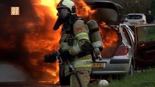 Grote vlammen bij autobrand Loenen aan de Vecht