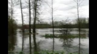 preview picture of video 'Wateroverlast Diepenbeek 14-11-2010.mpg'