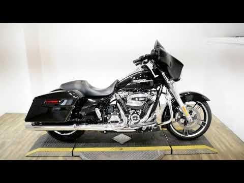 2019 Harley-Davidson Street Glide® in Wauconda, Illinois - Video 1