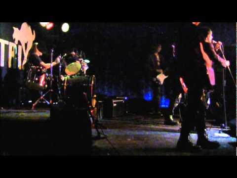 4 Grammy - Moderní Mládež- Live in Matrix (30.4.11)