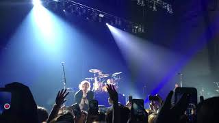5 Seconds Of Summer - The Only Reason (Live at Zepp Osaka Bayside)