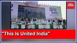 Opposition Leaders Pose For Historic Photo In Mamata's Mega Kolkata Rally