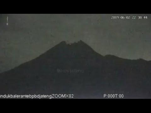Gunung Merapi Kembali Erupsi
