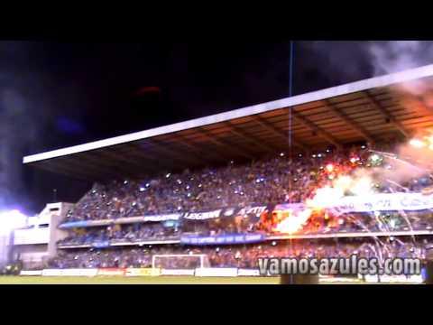 """""""Recibimiento de la hinchada de Emelec ante la U. de Chile (25/10/2012)"""" Barra: Boca del Pozo • Club: Emelec"""