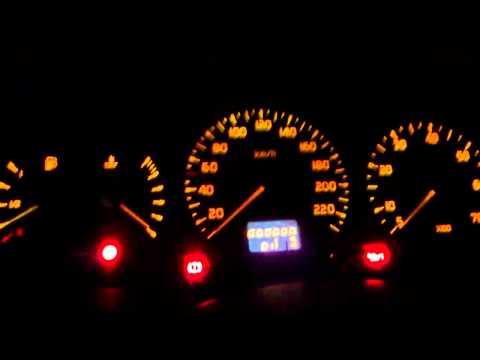 Das schlechte Benzin brennt der Scheck