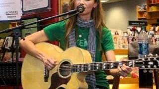 Chely Wright - Emma Jean's Guitar (San Diego In-Store)