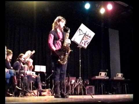 Lizzy van Gaal speelt Saxofoon