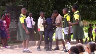 preview picture of video 'A Play on HIV/AIDS done by school Children in Zimbabwe'