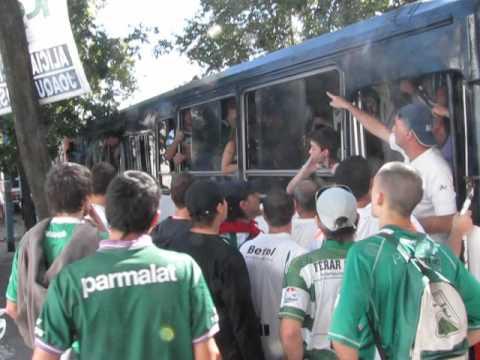 """""""HURACAN-FERRO (06-04-2012)"""" Barra: La Banda 100% Caballito • Club: Ferro Carril Oeste"""