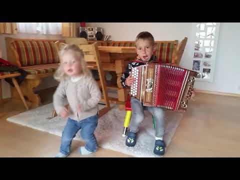 Steirische Harmonika Sternpolka mit Florian 5 Jahre alt!