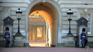 preview picture of video 'London Lifestyle Teaser - Buckingham Palace London, City of'