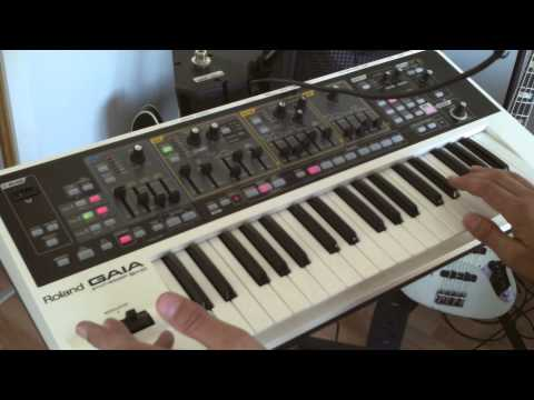 1. How to play funky synth bass - for bass players