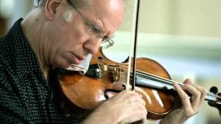Gidon Kremer plays Mendelssohn Concerto for Violin & Strings in D minor - 3rd mov.
