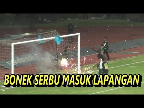 FULL VIDEO BONEK RlCUH MASUK LAPANGAN   PERSEBAYA SURABAYA VS MADURA UNITED