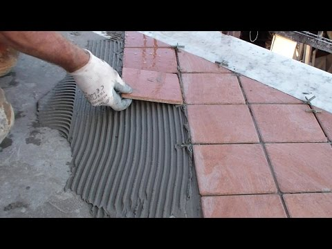 Posare le piastrelle del pavimento fai da te-Lay the floor tiles DIY